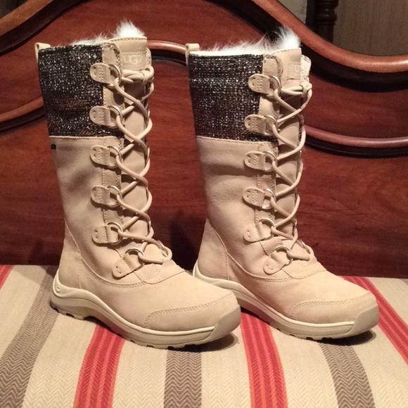 c4415650943 New UGG Womens Atlason Frill Cream Suede Boots
